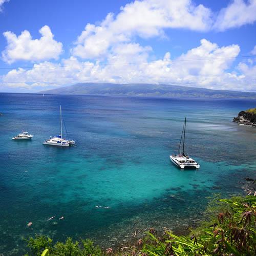 Travel to Hawaii Btn Hawaii Maui island