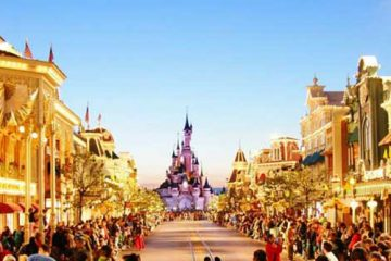 4D3N Paris with Disneyland® Paris3 btn